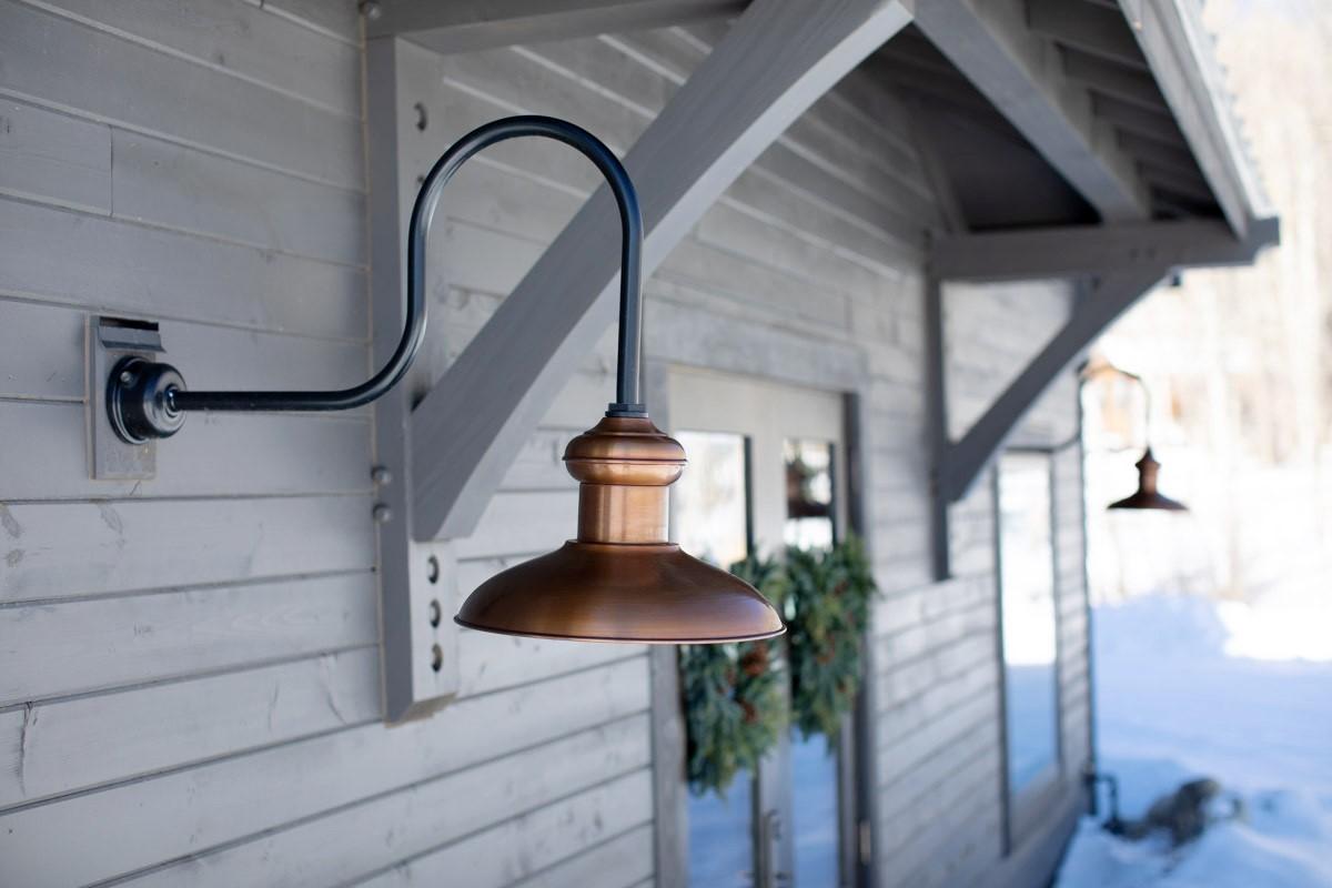 Chestnut Gooseneck Light Barn