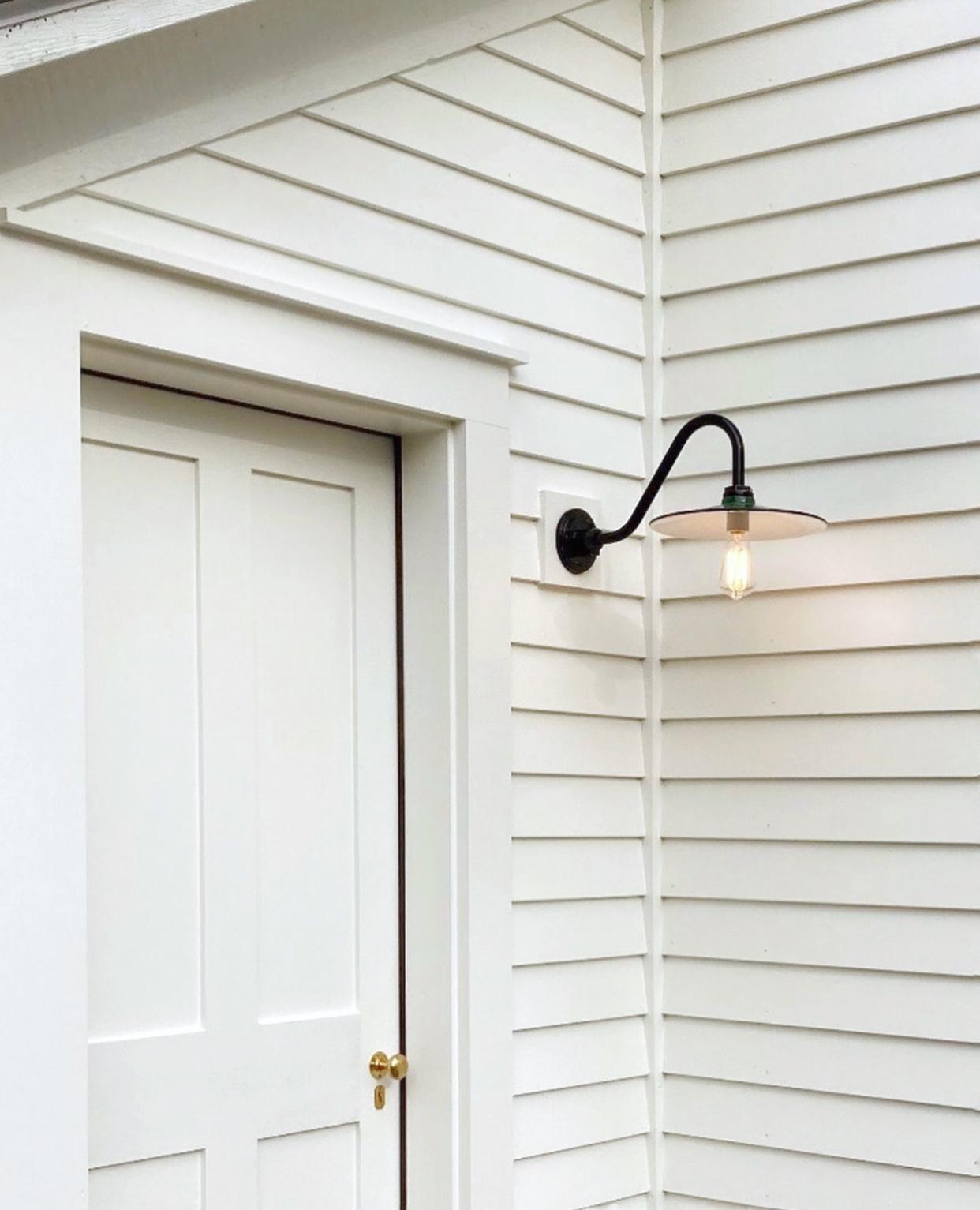 Conoco Gooseneck Light   Barn Light Electric