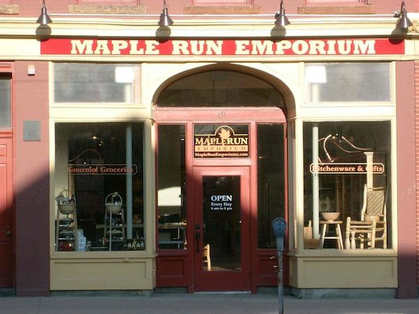 maple run emporium sign lighting