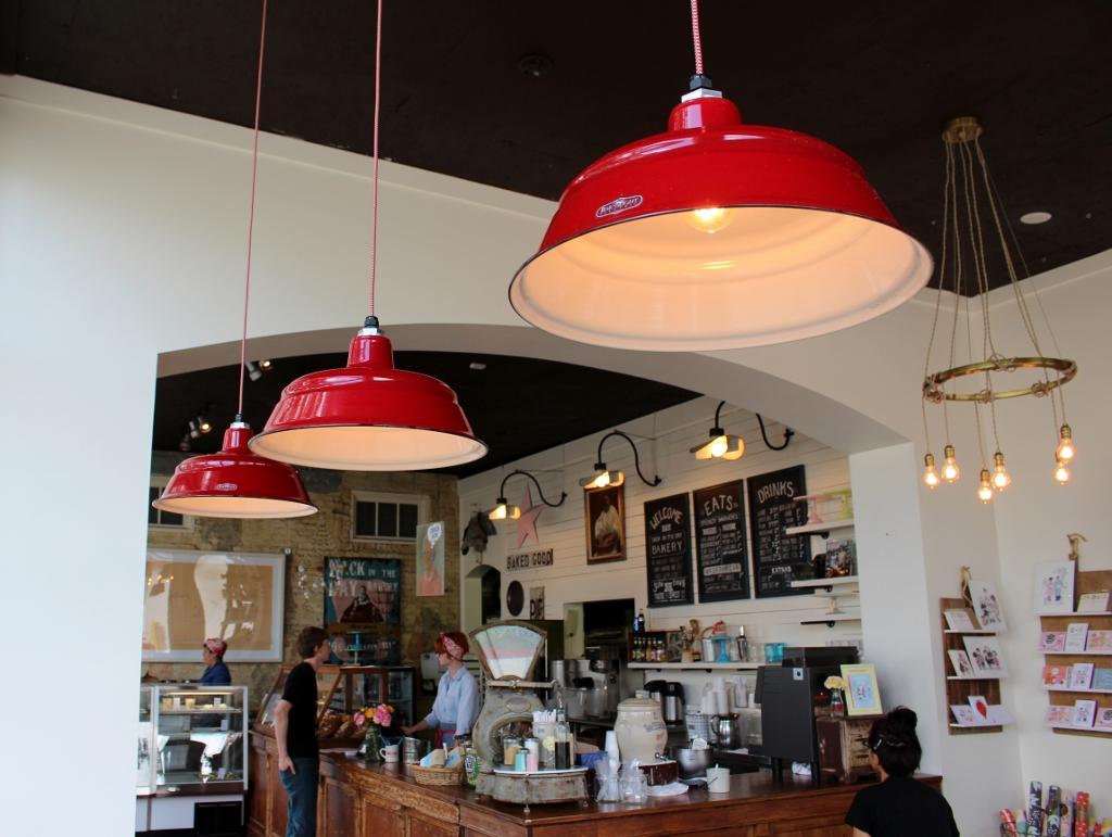 restaurant lighting ceiling lights 1024x771 1