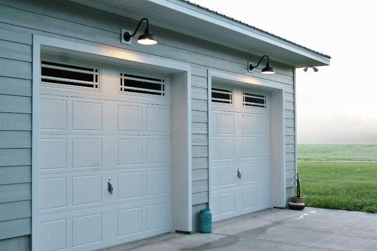 Gooseneck Barn Lights Offer Perfect, Gooseneck Lights Over Garage Doors