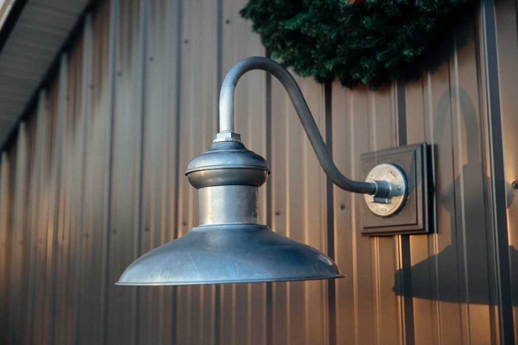 chestnut gooseneck barn light