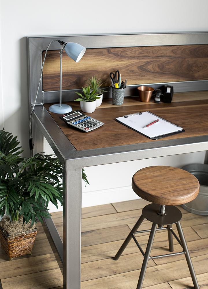 Jager Desk