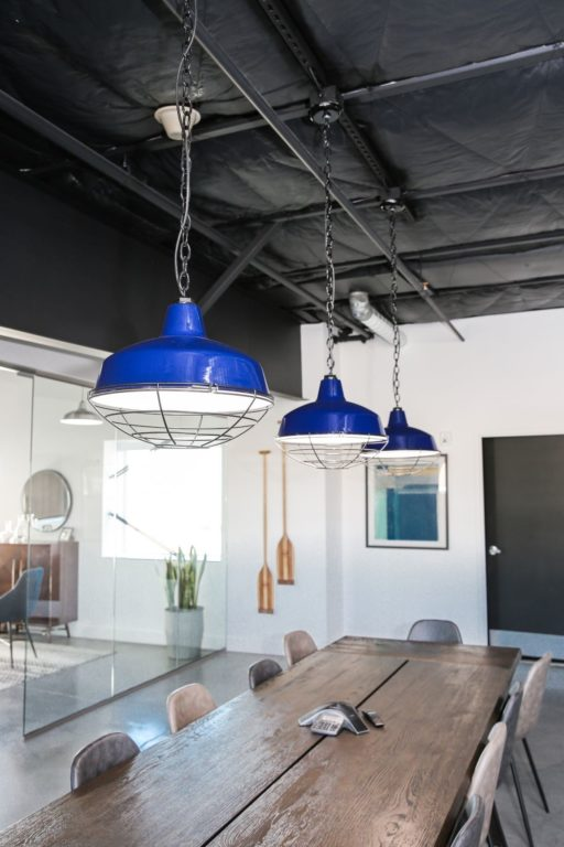 chain hung pendant light