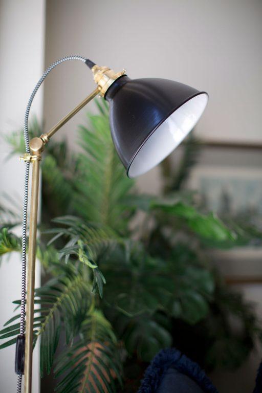 floor lamp lighting 512x768 1