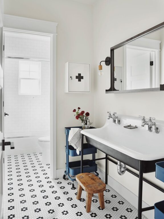 bathroom lighting wall sconce