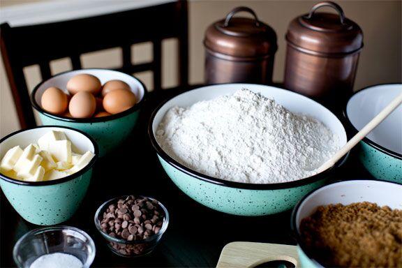 porcelain enamel mixing bowls